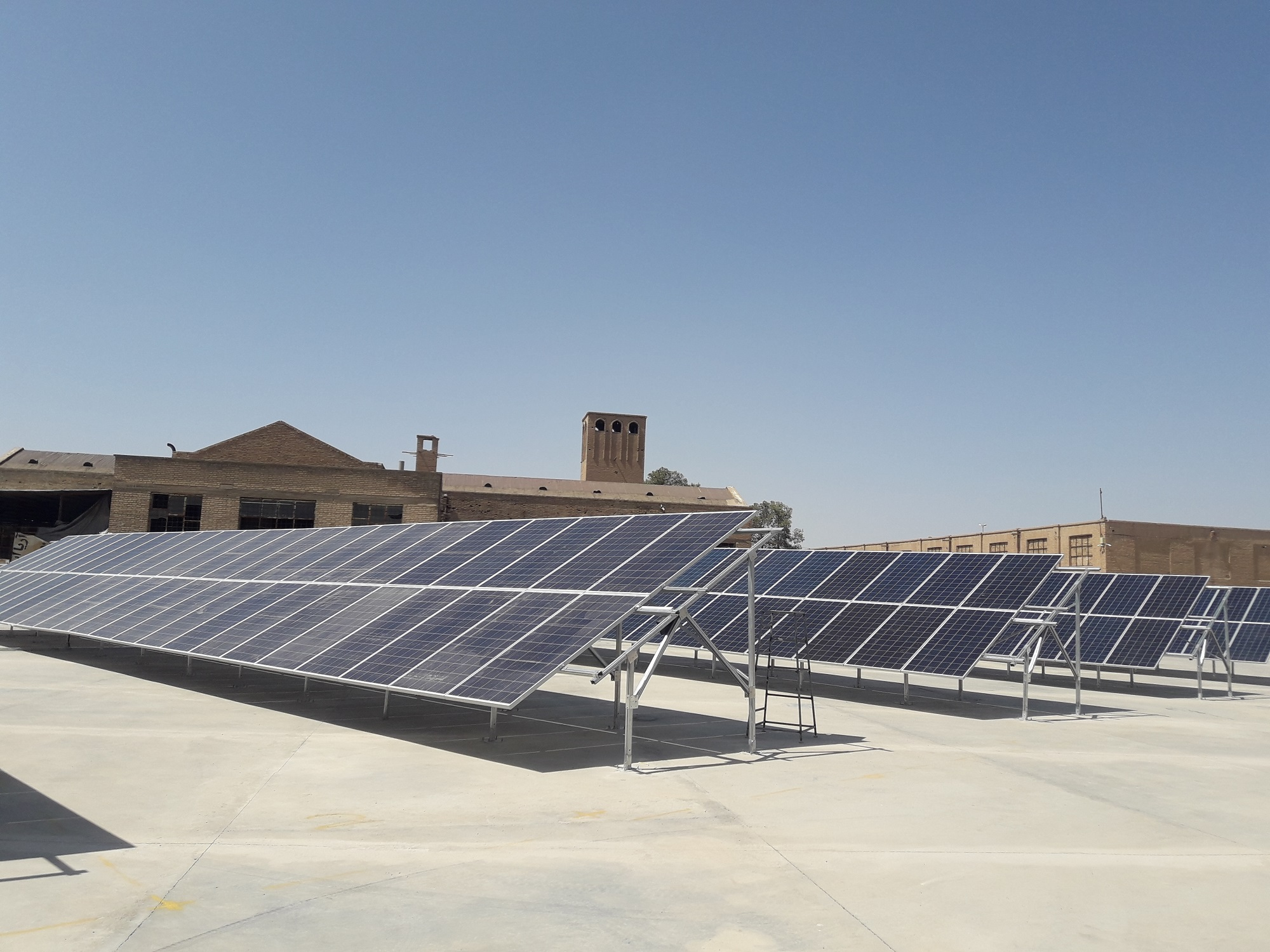نیروگاه خورشیدی کارخانه یخ استان قم